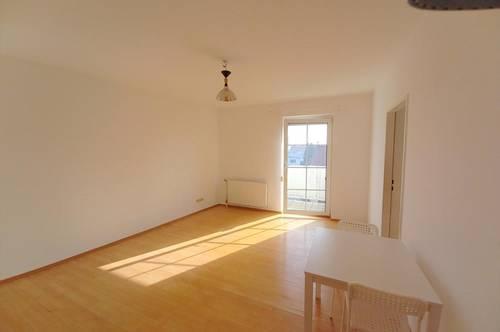 Balkon - 2 Zimmer - Zentral