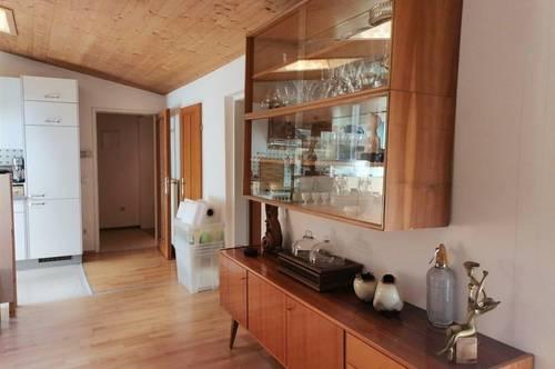 73m² 2-Zi-Altbau-DG-Wohnung / spacious 2-rooms-flat