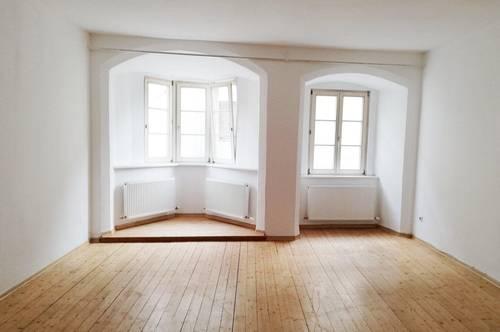 Großzügige Altbau-Wohnung, ideal für Pärchen!