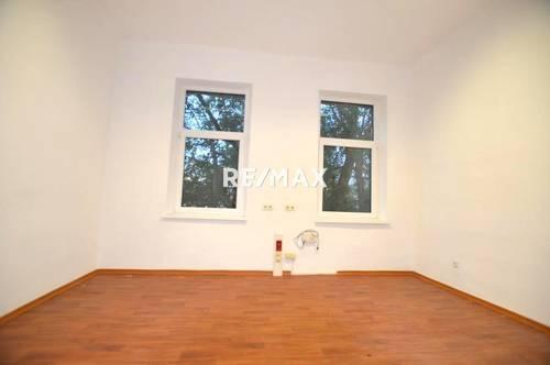 76 m² Büroetage mit 4 Räumen.