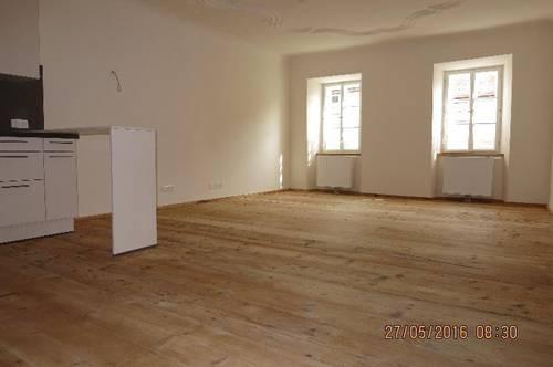 Schöne, große 2 - Zimmer - Wohnung