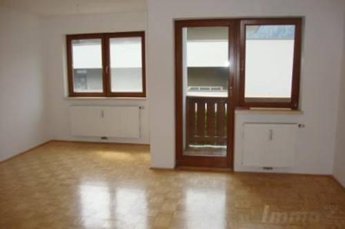 Zirl: 6 Zimmerwohnung mit 2 Bädern und 2 Parkplätzen um € 1250.--