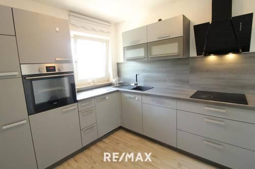 Ruhige 3-Zimmer Dachgeschosswohnung mit Balkon in Radfeld!