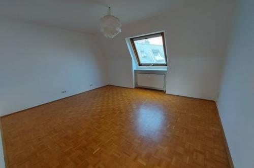 Sehr helle 3 Zimmerwohnung zu vermieten