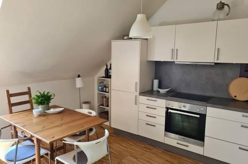 Wals: 2-Zimmer-Dachgeschoss-Wohnung
