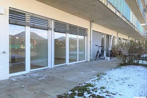 Moderne 2 Zimmer Wohnung / TG-Platz und Terrasse / ab sofort verfügbar!