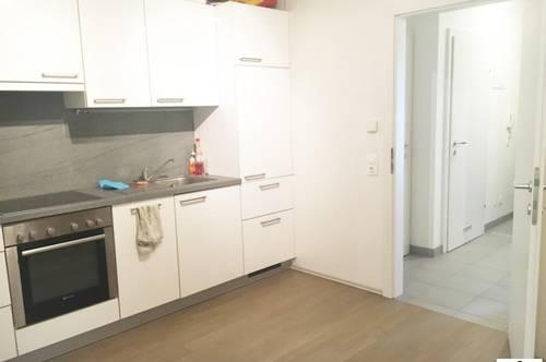 GEIDORF // Studentenhit - Neuwertige 4 Zimmer Wohnung - WG geeignet ! Ab 15. September!