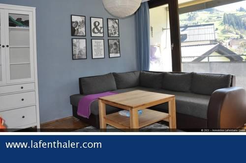 Ein-einhalb (1-1/2) Zimmer FERIENWOHNUNG in sonniger und ruhiger Zentrums-Randlage von Hofgastein, beste Infrastruktur.
