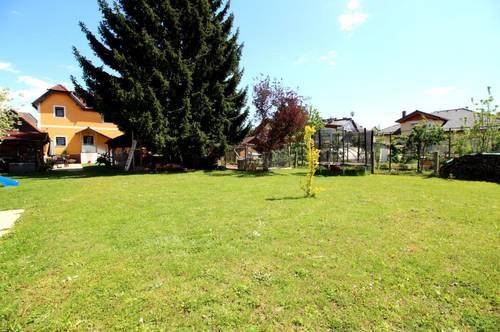 Saniertes Familienhaus mit großem Garten!