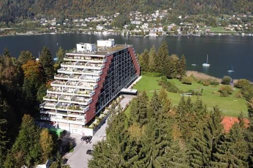 Herrliche Terrassenwohnung direkt am malerischen See