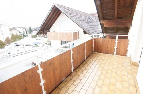 Praktische Dachgeschosswohnung mit Terrasse