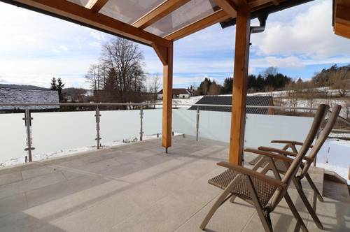 Moderner Alterswohnsitz mit sonniger Terrasse