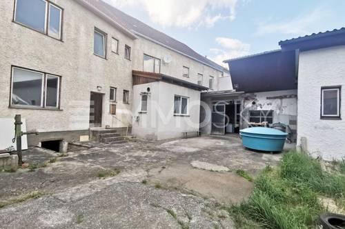 Geräumiger Wohnraum mit Halle inklusive Erweiterungsmöglichkeiten