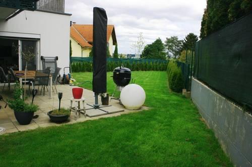Modernes Domizil mit großzügigem Garten