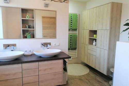 Wohntraum auf allen Ebenen mit Top-Ausstattung