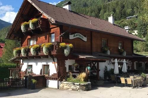 Gepflegtes Restaurant mit privatem Wohnbereich