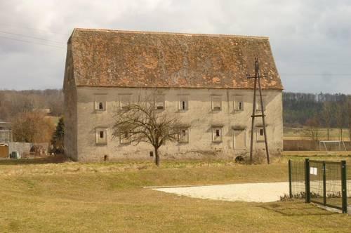 Historischer Schüttkasten aus dem 17. Jhd.
