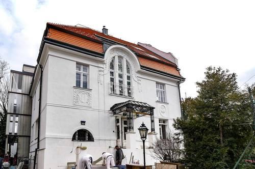 Luxuriöse Dachgeschoß-Maisonette in wunderschöner Jahrhundertwende Villa