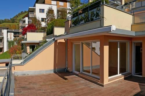 Lichtdurchflutete Wohnung mit großzügiger Terrasse