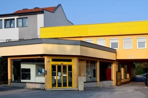 St. Pölten: Gewerbeliegenschaft in frequenter Lage (Show-Room - Büros - Lager - großzügige Freifläche)