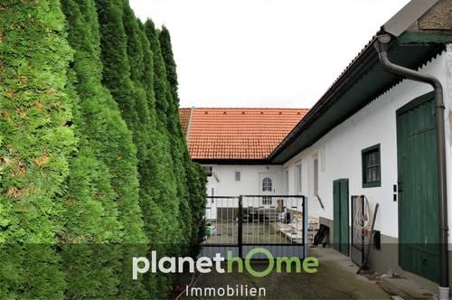 Haus mit uneinsehbarem Garten und Innenhof