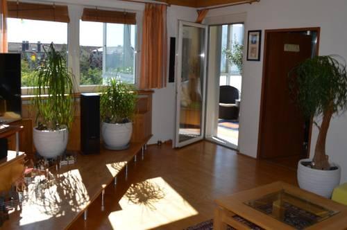 Asten: Große 5-Zimmer Wohnung. Wohnen, arbeiten und Familie, hier lässt sich alles perfekt vereinen!