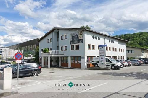 Gut vermietetes Bürohaus in Bergheims Handelszentrum