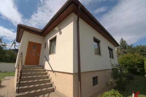 Wunderschönes Eckgrundstück in begehrter Lage mit ausbaufähigem Haus!