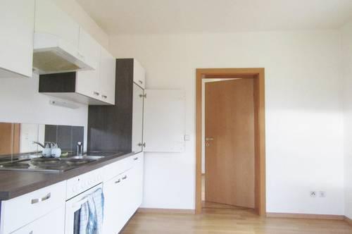 Nähe Heiligenkreuz – Geförderte 2-Zimmer-Maisonette in ruhiger Ortsrandlage