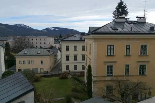 Gepflegte 3 Zimmer-Altbauwohnung mit Wohnküche und Gartenmitnutzung - Top Lage Nonntal