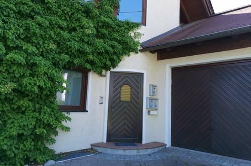 Sonnige 2 Zimmer-DG-Wohnung mit Wohnküche, Südbalkon und Gartenmitbenutzung -Altliefering