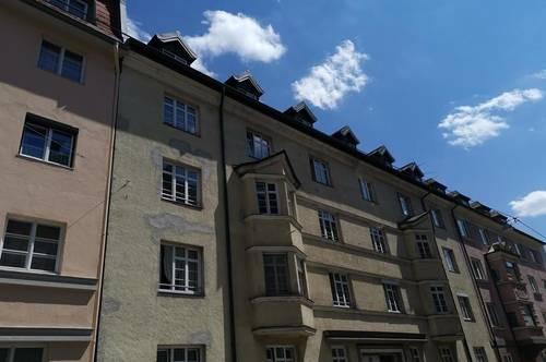 Hübsche 2 Zimmer- Dachgeschoßwohnung in zentrale Stadtlage