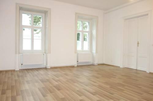 Moderne 4-Zimmer Altbauwohnung - Erstbezug nach Sanierung!