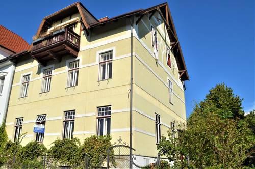 PERCHTOLDSDORF! Elisabethstraße, sonnige 80 m2 Altbau, 3 Zimmer, Wohnküche, Duschbad, Parketten, Ruhelage, Weinberge-Nähe