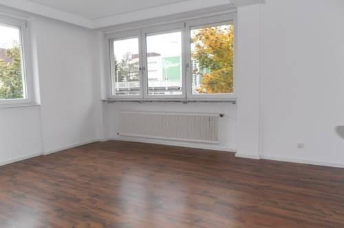 Sanierte, schöne,3 Zi.- Wohnung, 84 m² WNfl., in Steyr / Tabor, WG geeignet, 1. OG, beste Infrastruktur!