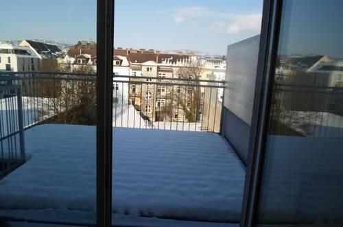 Schöne, zentral gelegene DG-Maisonette mit Dachterrasse + Balkon, Küche möbliert, 3 Zimmer, 94.2 m2, 4.Liftstock