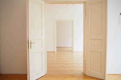 Perfekte Familienwohnung oder WG neben Linzer Dom! Altbau 115 m² WNFL, 5 Zimmer, Küche möbliert!
