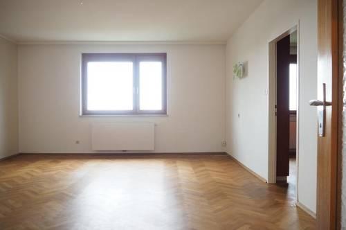 Pöstlingberg! Sonnige ruhige 118 m² WNFL plus 14 m² Balkon mit genialer Fernsicht, teilmöbliert, 5 Zimmer, Garage!