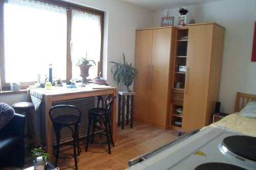 Wolfauerstraße/Top 8:Einfache, ruhige Garconniere, ca. 30 m2 WNFL, 1.Stock, in bester Urfahraner Lage, (Magdalena),