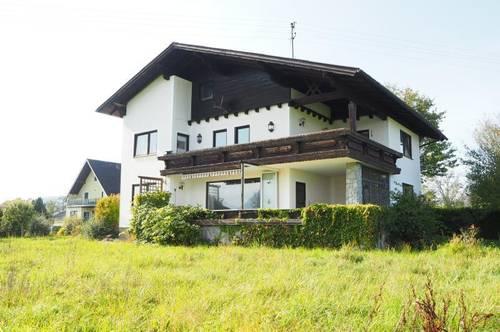 Ein-, Zweifamilienhaus mit herrlicher Fernsicht, 190 m² WNFl., 879 m² Grundfläche, vollunterkellert, Doppelgarage! Traunseenähe!