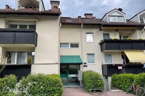 schöne 2 Zimmer Wohnung mit Balkon in Aigen Salzburg Stadt