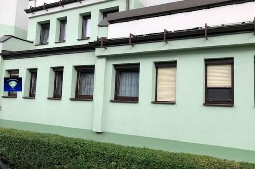 Gepflegte (teils neu sanierte) Mietwohnung im Erdgeschoß, mit bester Infrastruktur - 013089