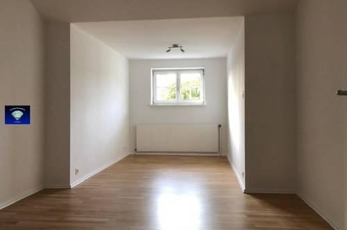 Wunderschöne neu-renovierte Dachgeschoß- Wohnung - 01307600