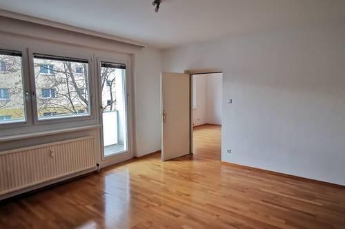 Top helle und schöne Mietwohnung mit Lift und Balkon - 013149