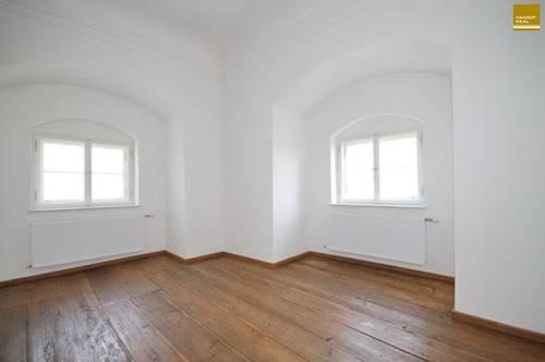 Top - Exklusive Schlosswohnung mit 2 Schlafzimmer