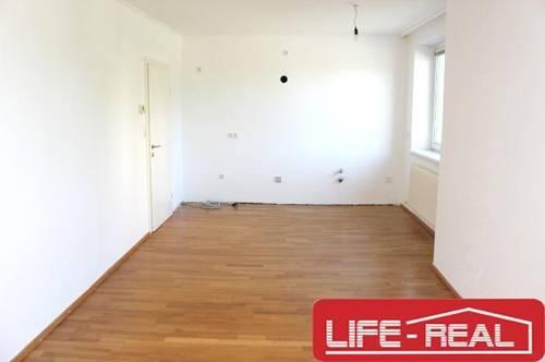geräumige 4-Zimmerwohnung mit Garage und Gemeinschaftsgarten