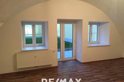 Schöne 2-Zimmer Wohnung mit Garten und überdachter Terrasse in Enns!