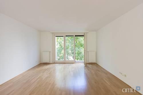 Großzügige Familien-Wohnung in Ruhelage, direkt am Modenapark