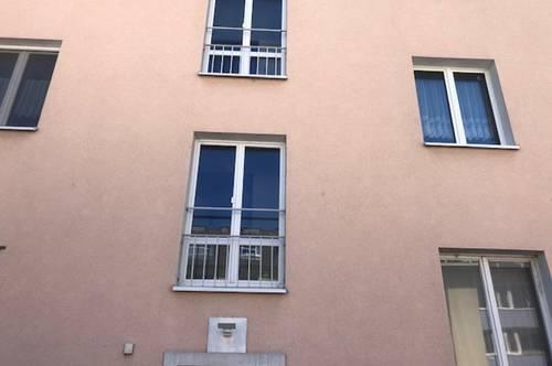 Nette Dachgeschosswohnung in ruhiger lage zu Vermieten eventuell auch Kaufoption.