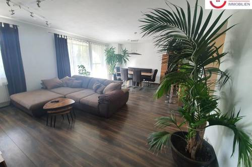 Hochwertige 3-Zimmer Wohnung mit Balkon und privatem Badeteich!